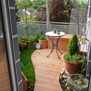 Balkon mit Rasen