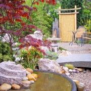 Steinbrücke japanischer Garten