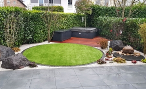 Runde Rasenfläche