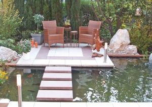 Sitzplatz im Teich